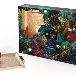 Koniak Hennessy X.O HOLIDAYS 2021 GIFT BOX 40% 0,7L EDYCJA LIMITOWANA! NOWOŚĆ! z elegancką złotą tacą serwisową z motywem świątecznym!